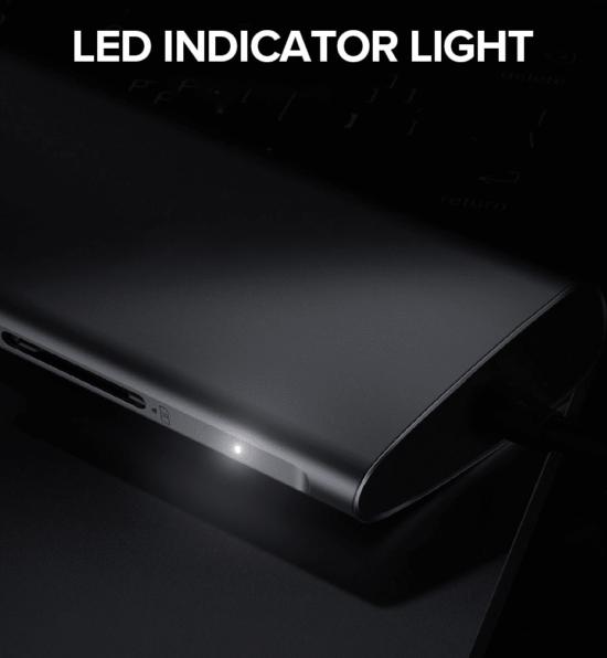 usb c hub led light